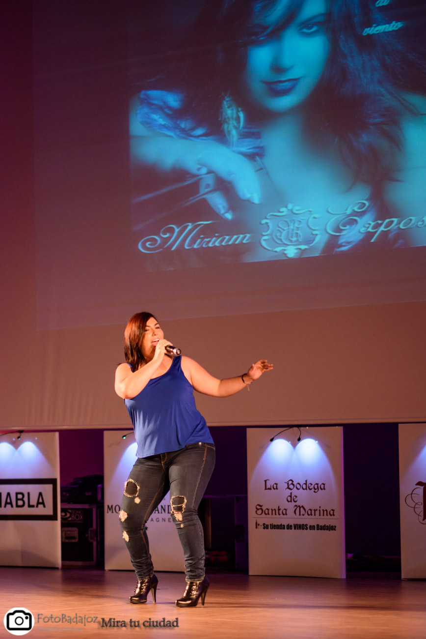 Actuación de Miriam Expósito